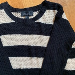 Forever 21 Black & Cream Striped Sweater Size S